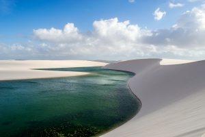 Sillonnez dunes et lagunes dans le Parc National des Lençóis Maranhenses - © Lucas Ly