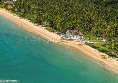 Brésil, Carneiros, église sur la plage