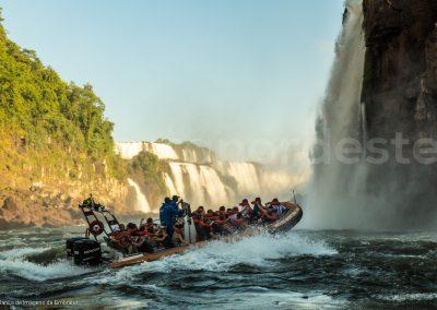 Bresil chutes Iguacu activite rafting