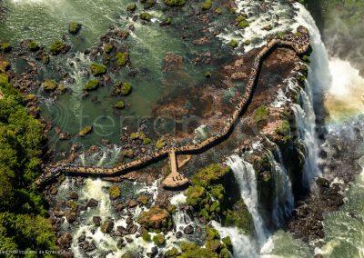 Survol des chutes d'Iguacu au Bresil,