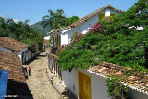 Brazil, Costa Verde Paraty - paved alleyway