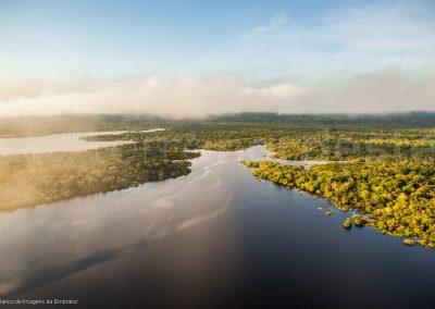 Lever de soleil sur la forêt amazonienne